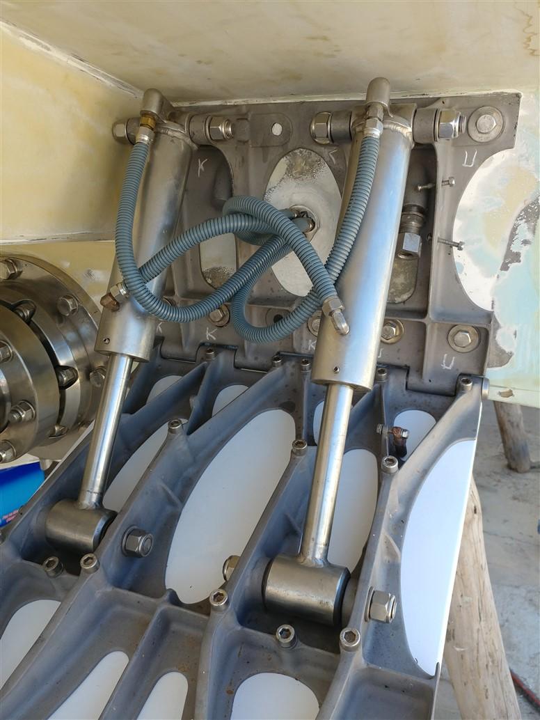 ayvalik-tekne-motor-tamir-bakim (10)